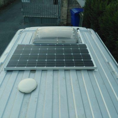 reparacion-autocaravana-en-vizcaya-bizkaia-accesorios-recambios-placa-solar-bateria-gel autocaravanas